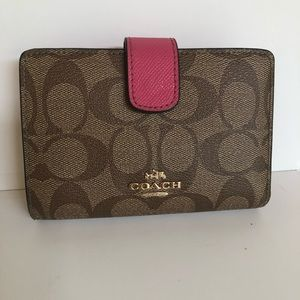 Coach billfold/wallet